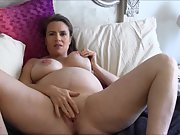 Mature prego wife spreads her body and masturbates