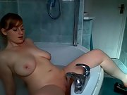 Buxomy british amateur hottie having fun in the bathtub